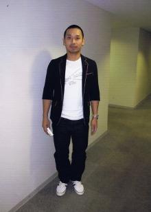 大悟(千鳥)のファッション画像