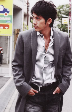岡田准一(V6)のファッション画像