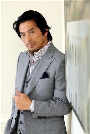 真田広之のファッション画像