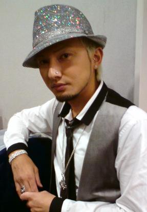 ISSA(DA PUMP)のファッション画像