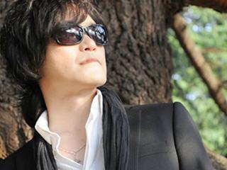 TOSHI(X-JAPAN)